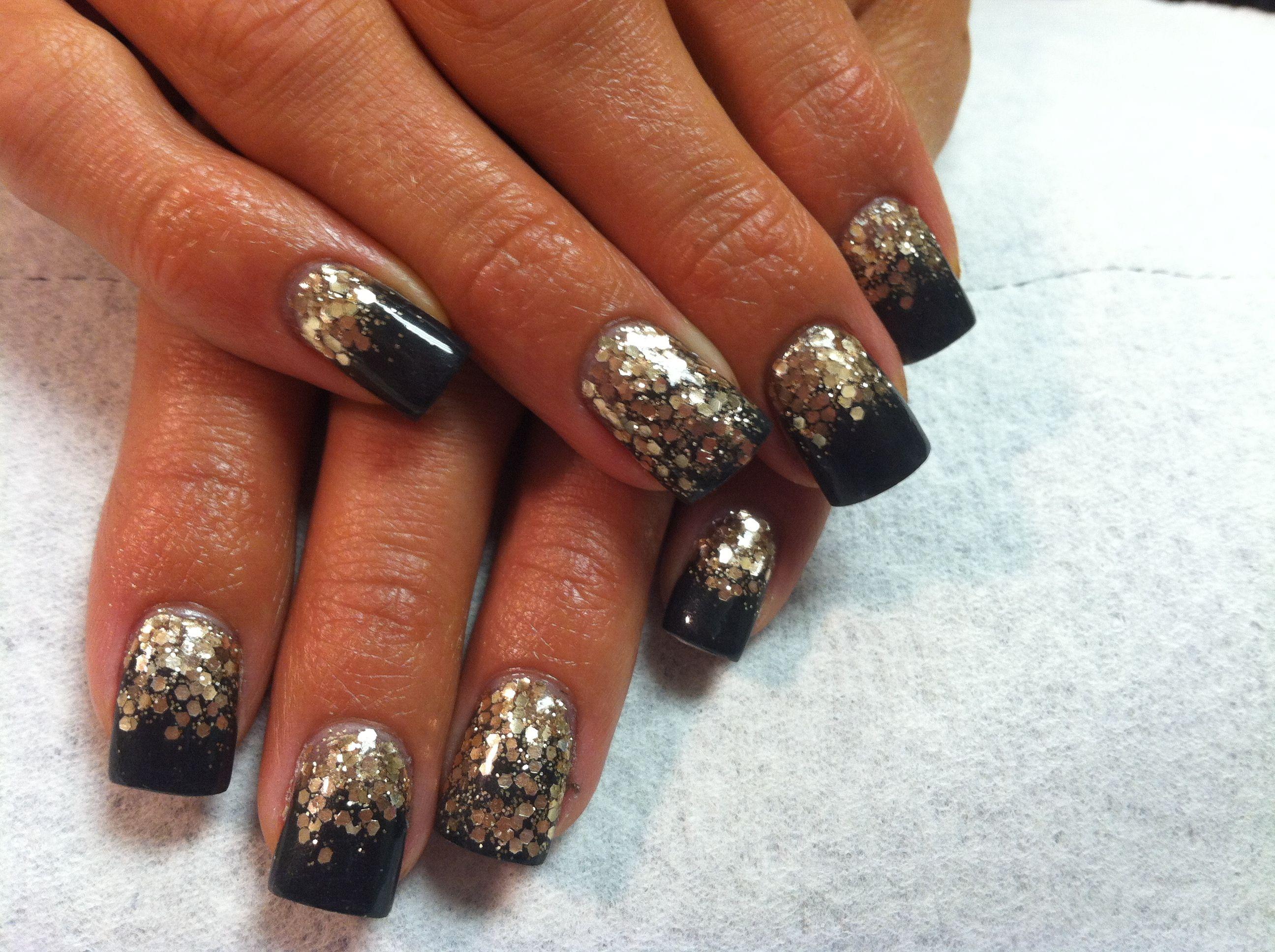 acrylic nails gold black glitter