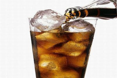 Refrigerantes... Uma boa pedida no calor! Veja os malefícios dessa bebida para seus dentes. - MM ON