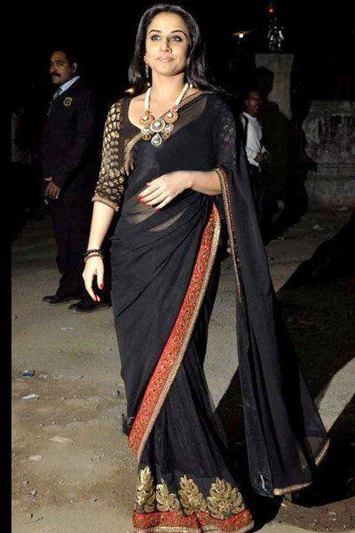 7db971c74f black saree...like the blouse combo | Desi Style | Bollywood saree ...
