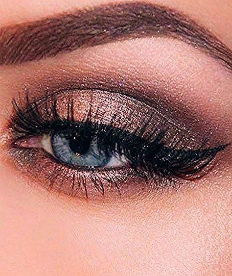 Photo of 34 idées de maquillage pour illuminer les yeux bleus