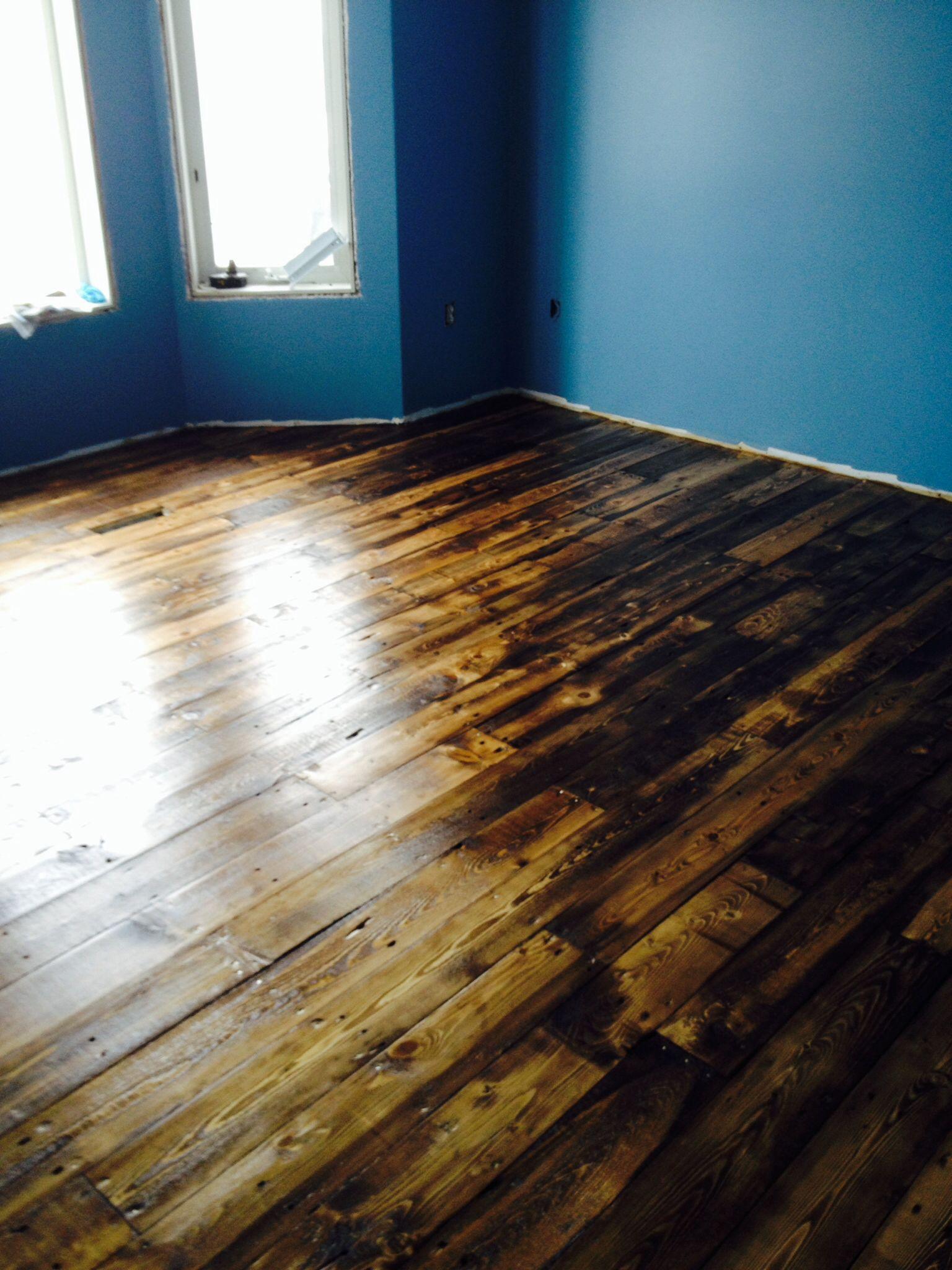 Pallet floor county plywood reclaimed flooring pinterest pallet floor county solutioingenieria Gallery