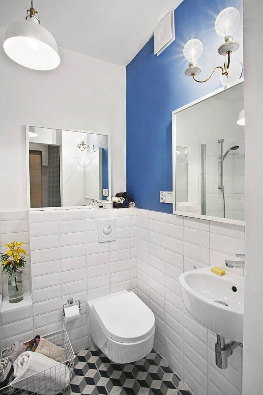Decor Modern In Bleu Si Crem Baie Mica Cabina De Dus Turcesc Wc Si