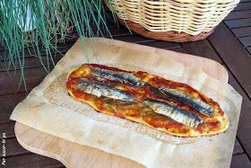 La coca de recapte es una coca salada típica de la gastronomía catalana. También se encuentran en Levante y Mallorca, y es innegable el par...