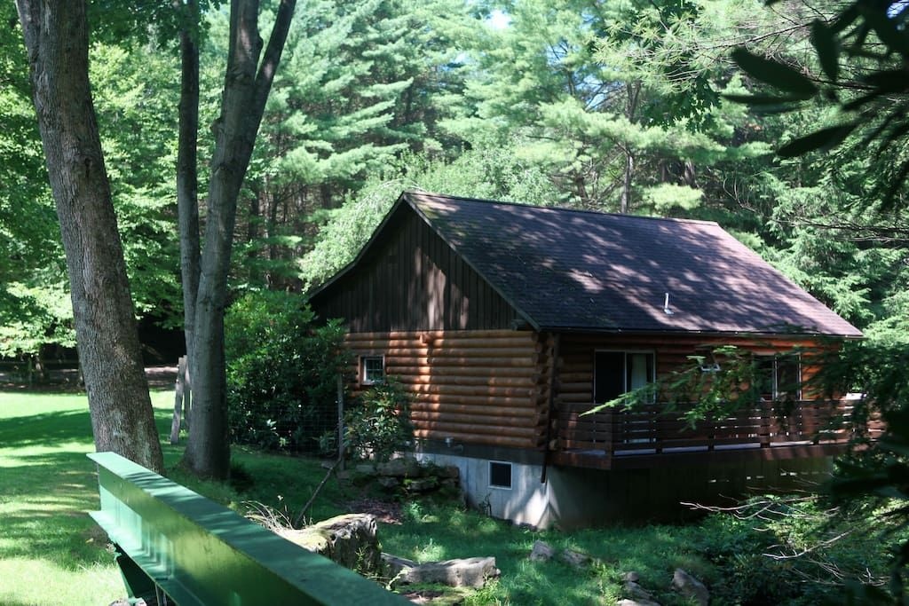 Entire Home Apt In Barnett Township United States Coleman Creek Cabin Is Nestled Alongside A Stream In Quiet Ancient Cook F Vacation Home Cabin House Rental