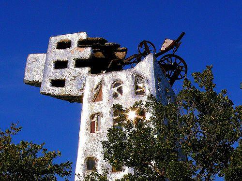 Tarot Garden Of Niki De Saint Phalle Statue Tarocchi E Artisti