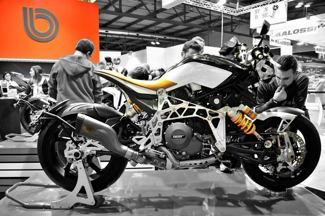 rocketgarage cafe racer: tesi 3d racecafe - best of eicma | bimota