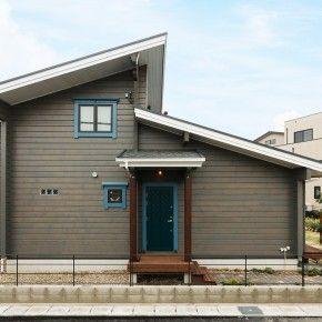 モダンなフォルムと配色が印象的な都市型住宅 住宅建築デザイン 平屋外観 平屋 外観 モダン