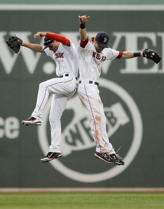 High five ;) | Boston baseball | Pinterest | Schnittmuster