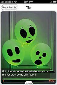 """Fazer caretas e brincar no escuro: atividade de percepção visual. Usar bola neon. fazer """"emotions"""" nas bexigas, Assustado, feliz, triste, confuso, apaixonado, etc..."""
