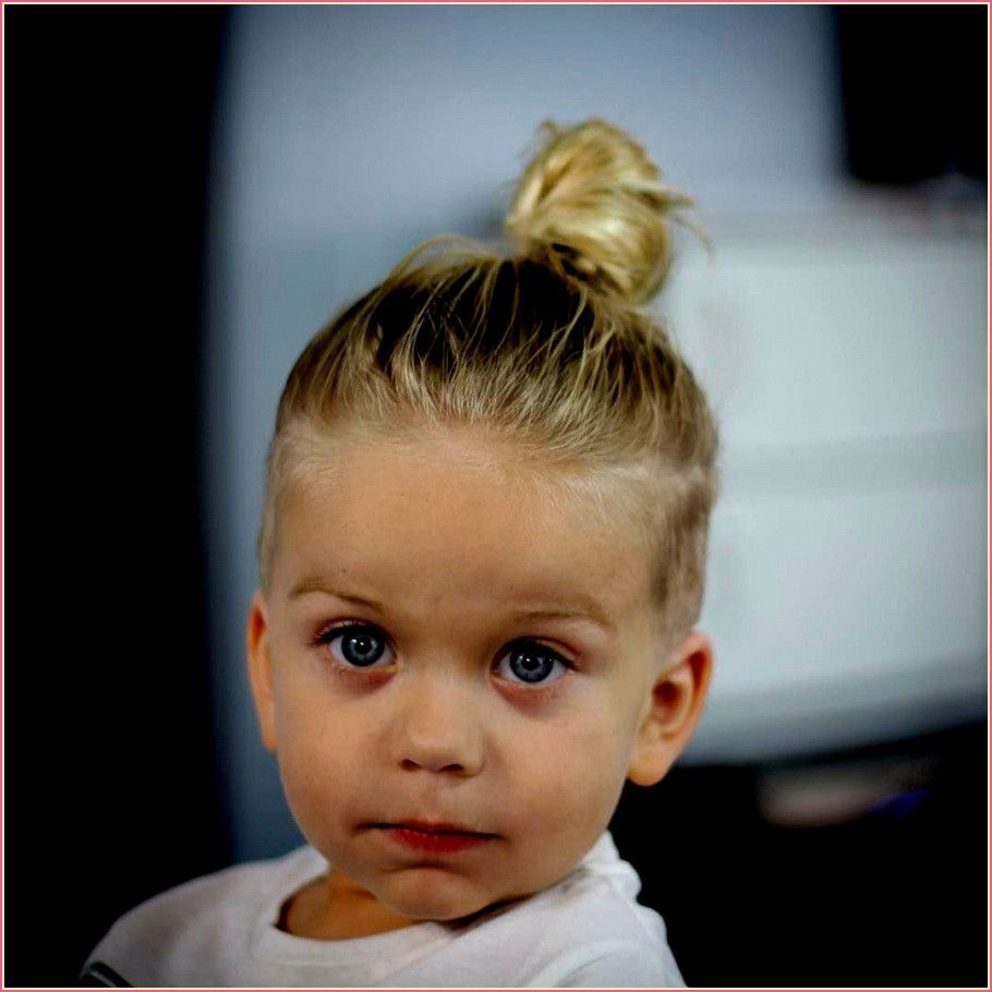 Fein Frisur Kleinkind Junge Locken In 2020 Frisur Kleinkind Frisur Kleinkind Junge Kleinkind Junge Haarschnitt
