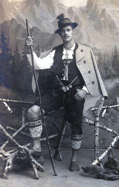 Mann in Tracht \/ Holzkirchen-Gmund am Tegernsee ca 1910 Bavaria - holzkchen