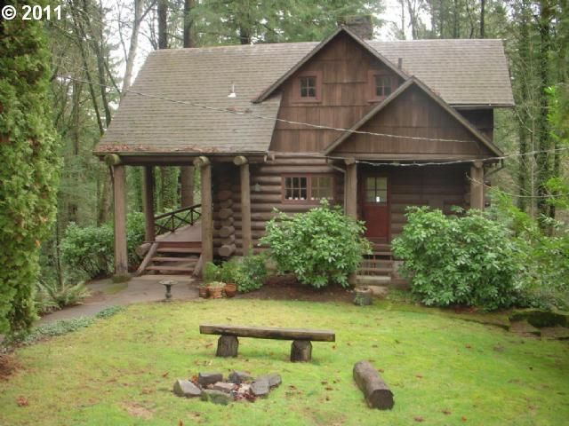Log home retreat near downtown portland living room realty old log cabin home 39 s for Living room realty portland or
