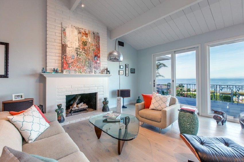 Combination Classic And Modern Beach House Design Full House