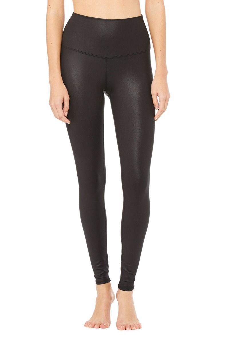 <p>An on-trend high waistline on our classic legging. Spotted on Gigi Hadid, the High-Waist Airbrush Legging has a five-inch rise and all the best assets of the classic version, like no side seams and a yogi-tested fit that lifts and sculpts.</p>