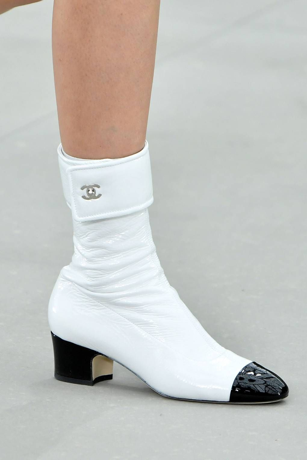 7 Things To Know About Chanel Cruise 2020 is part of Chanel shoes - In Virginie Viard's first solo show since Karl Lagerfeld's passing, the codes of the house looked to be secure, but there was a new sleekness, too here are seven things to know about Chanel Cruise 2020