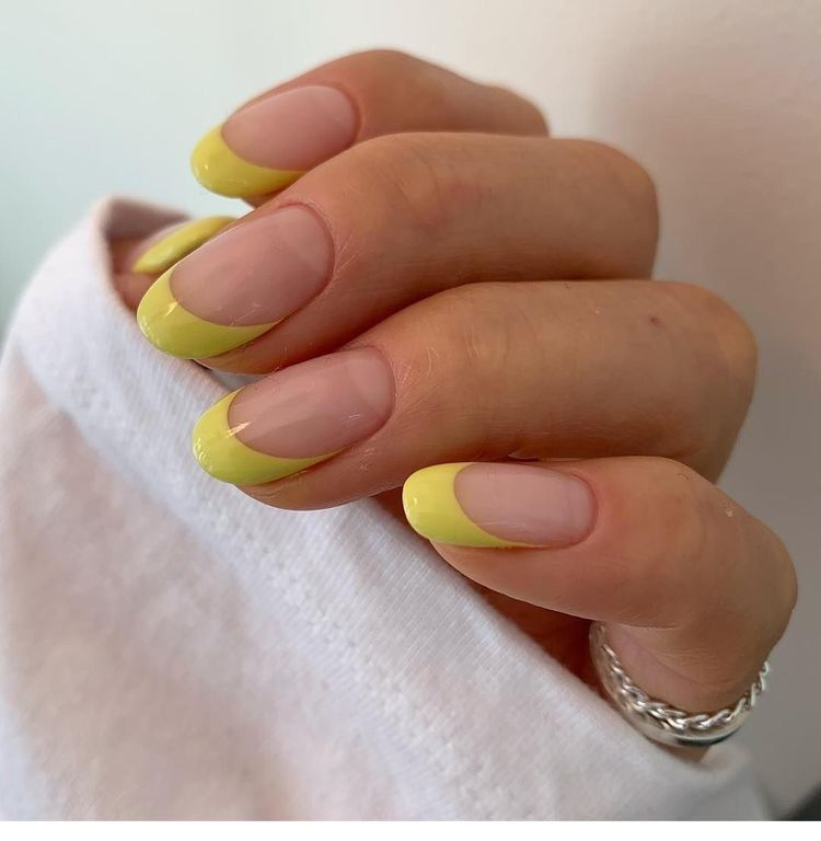 Pin By Paola Santiago On Cute Acrylic Nails In 2020 Minimalist Nails Cute Acrylic Nails Nails