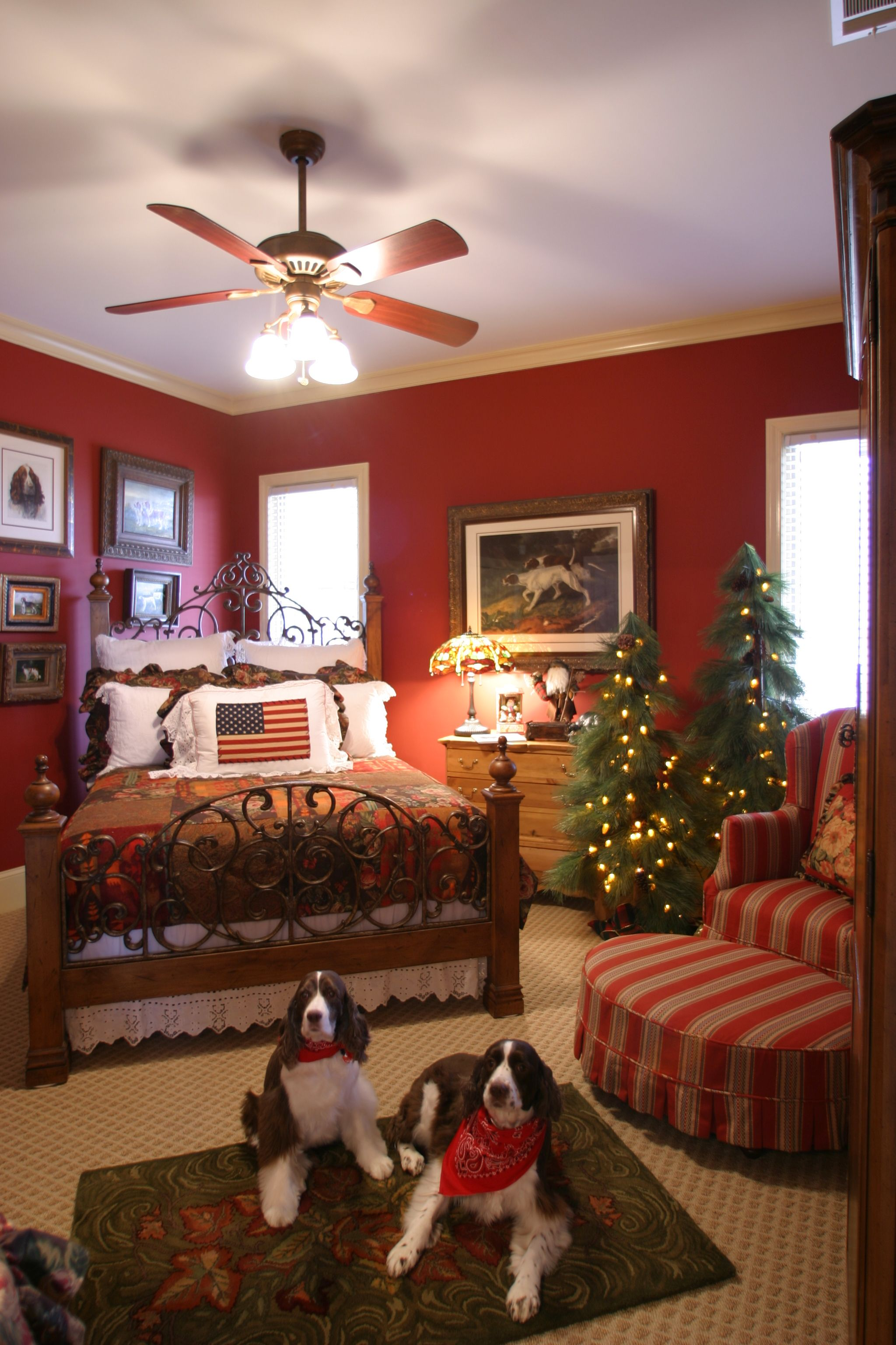 I love this cozy room - would be a beautiful guest room in ...