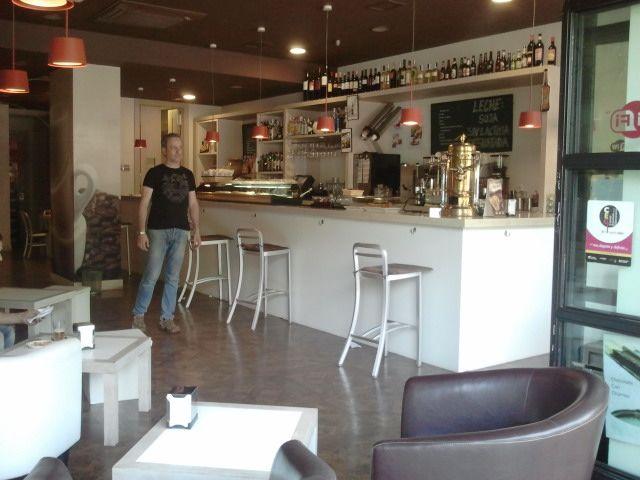 El Andén Café Logroño 母の誕生日 フラワーケーキ