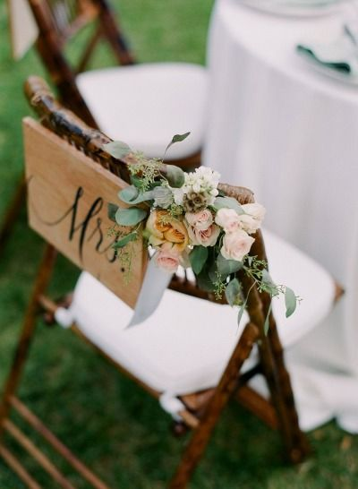 Mrs. chair: http://www.stylemepretty.com/destination-weddings/2015/02/10/romantic-alfresco-maui-wedding/ | Photography: Gina Meola - http://ginameola.com/ -- #deco #decoration #chaise #chair #mariage #wedding