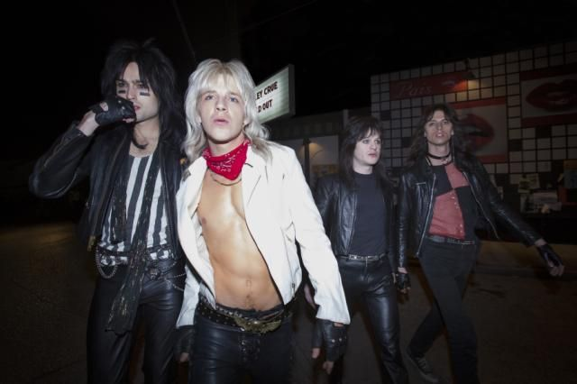 The True Story Behind Netflix's Mötley Crüe Movie The Dirt ...