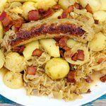 Oktoberfest Bratwurst und Sauerkraut Pfanne Abendessen    #Abendessen #Bratwurst #Oktoberfest #Pfanne #Sauerkraut #und #octoberfestfood