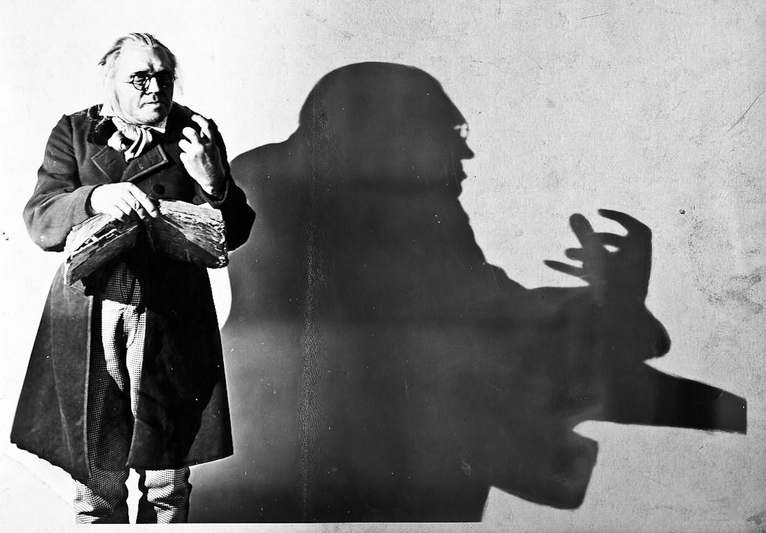 the cabinet of dr caligari analysis cinematography cinema and horror