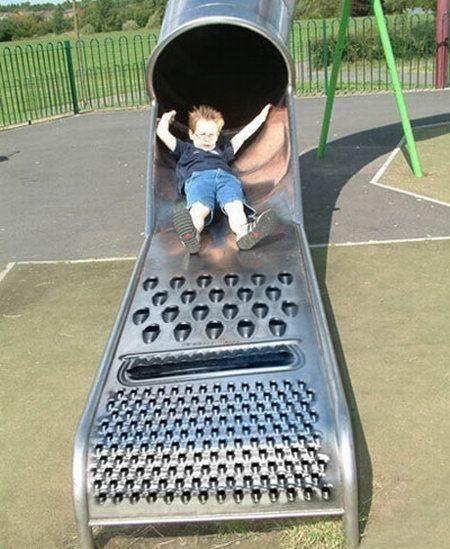 child grater.... Hahahahajajjajahahahahhaja para esos bebes que lloran y lloran en los aviones xD