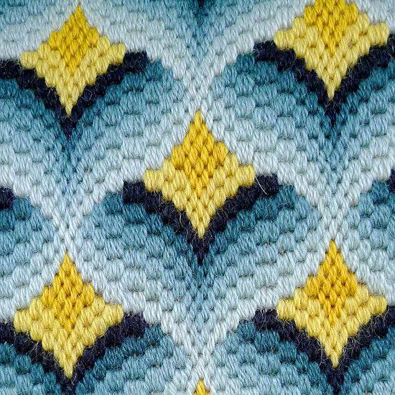 Bargello Needlepoint Pillow por BOLDvintage en Etsy | ricamo punto ...