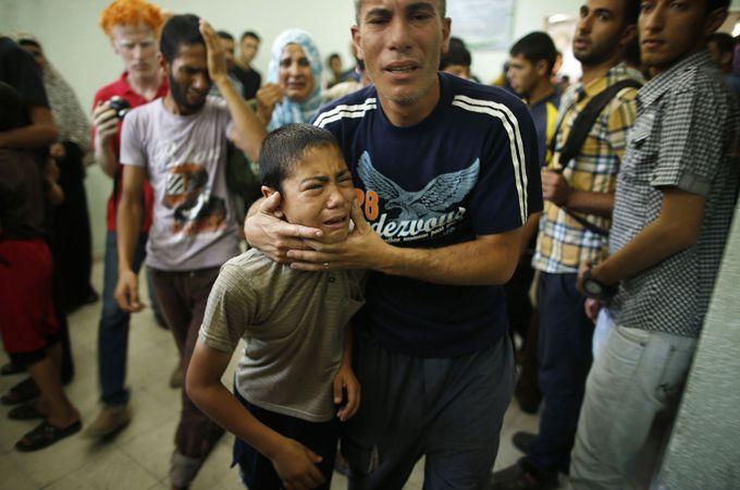 UN shelter in Gaza 'struck by Israeli shells' 30 dead 100 wounded. - AlJazeera