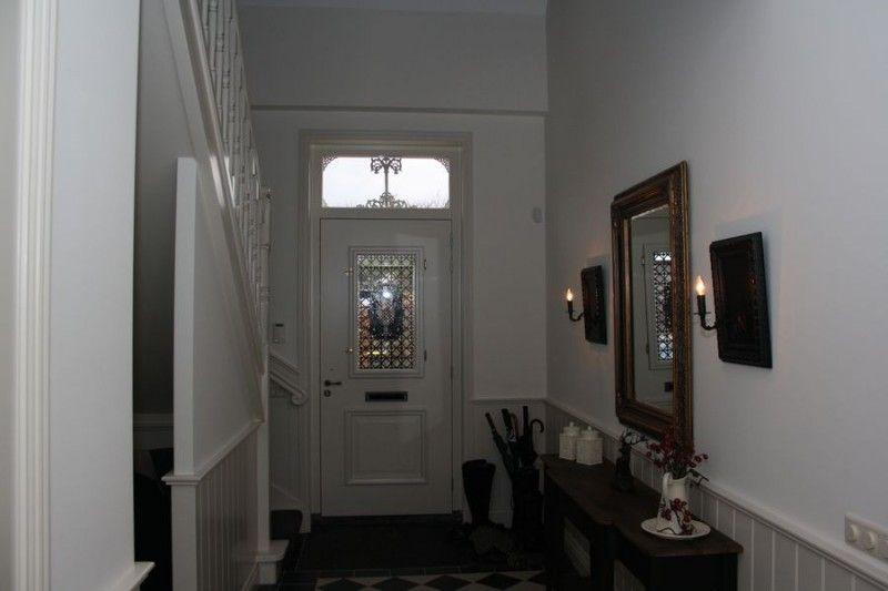 Vide In Woonkamer : Voordeur en levensboom via link ook trap met vide te zien en