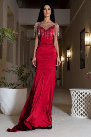 Capture the red carpet glamour of the Oscars 2015 style of Dakota Johnson with the Rosso ineffabile red evening dress from Vero Milano.
