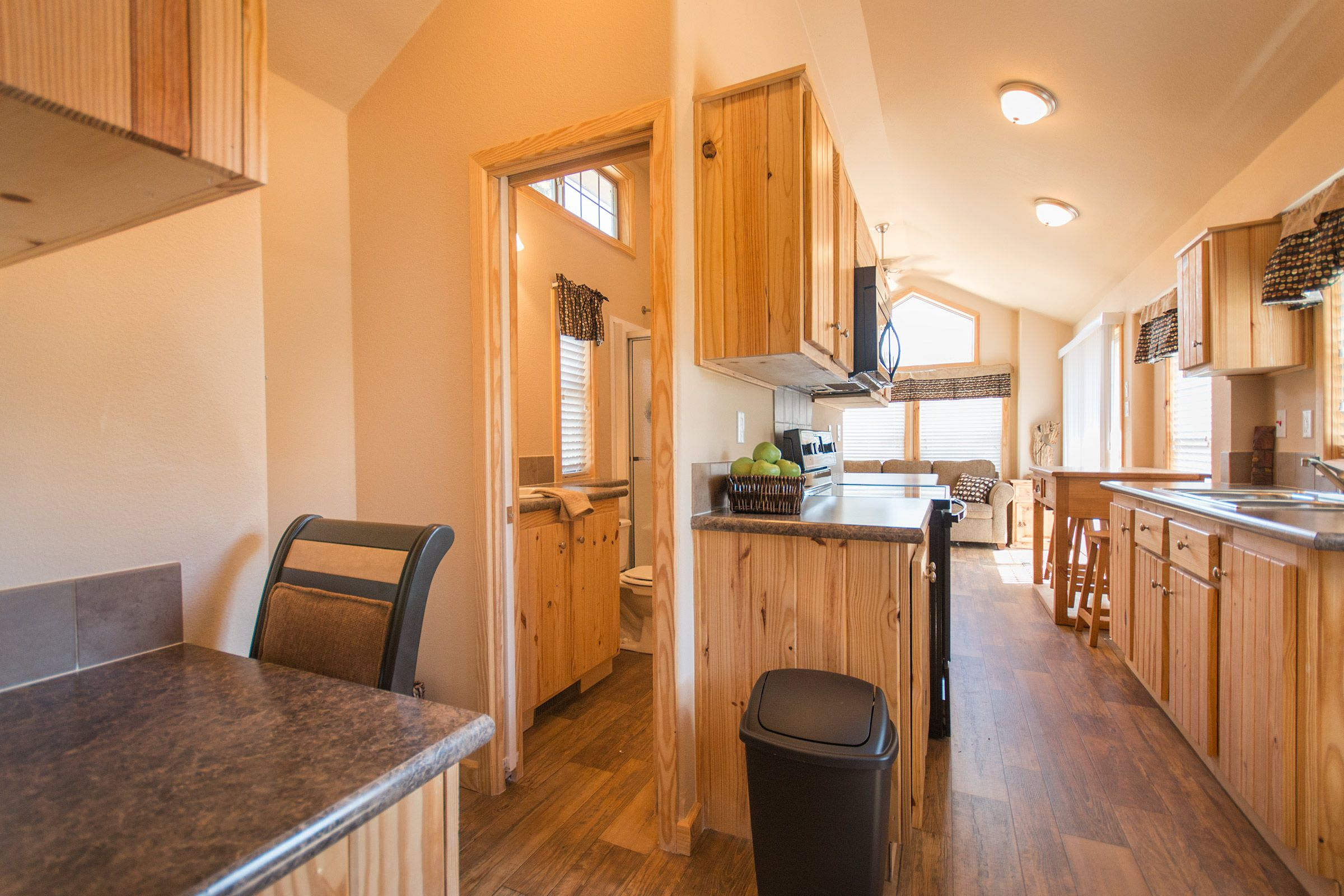 Fully equipped 1 bedroom cabin vacation rental available