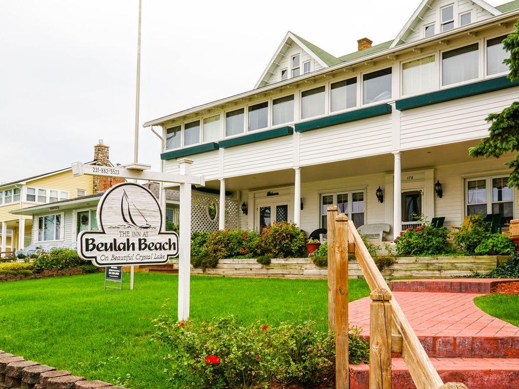 31 Michigan Houses Ideas Vacation Books Vacation Rental Michigan