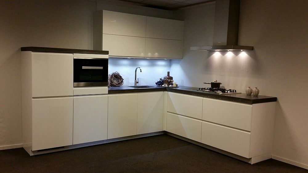 Keukenloods keuken you in witte hoogglans lak inclusief