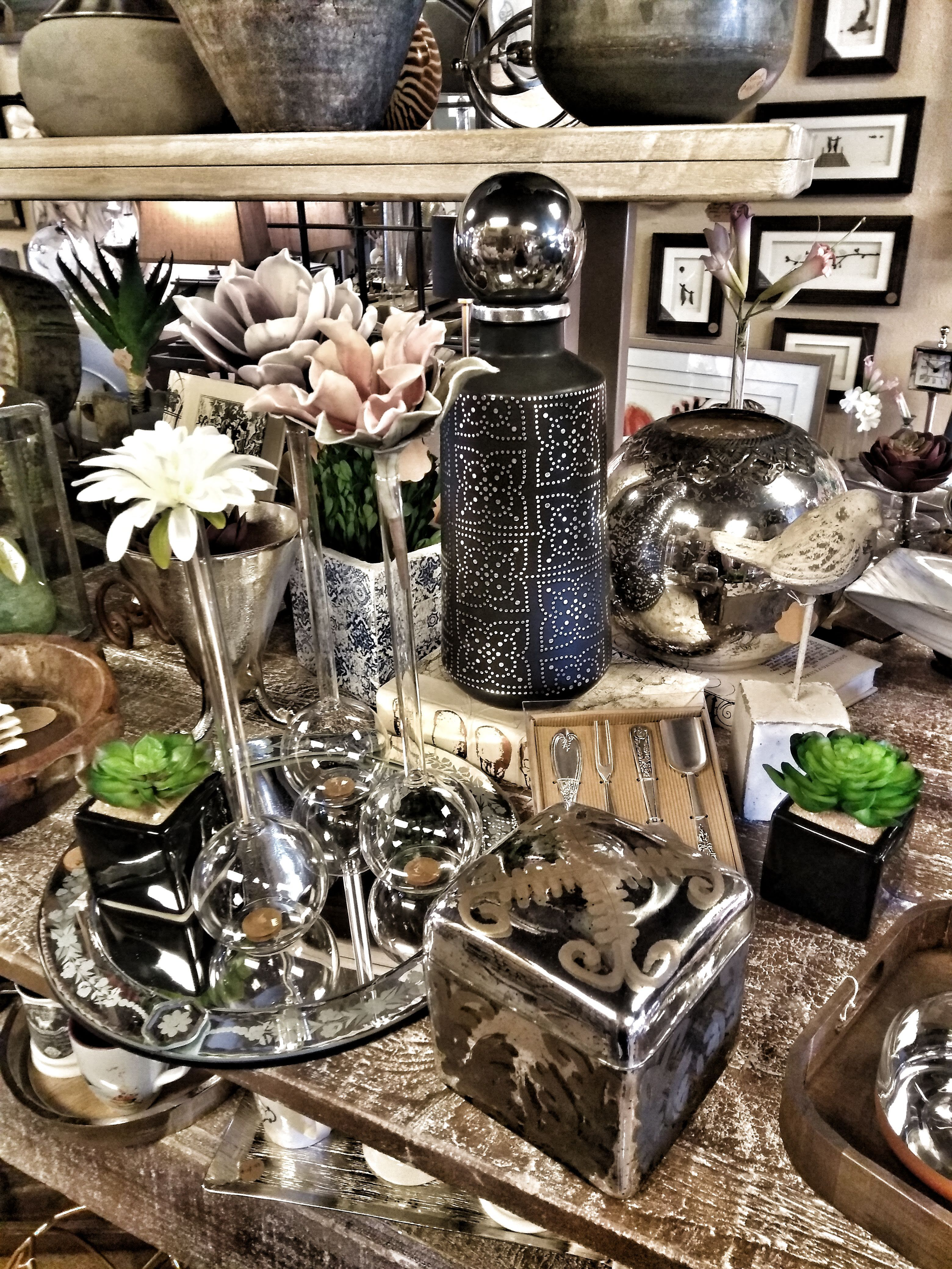Shine Bright Www Bellahomemarket Com 1532 Land O Lakes Blvd Lutz Fl 33549 813 345 8038 Located Next To The Br Breakfast Nook Sweet Home Home Decor