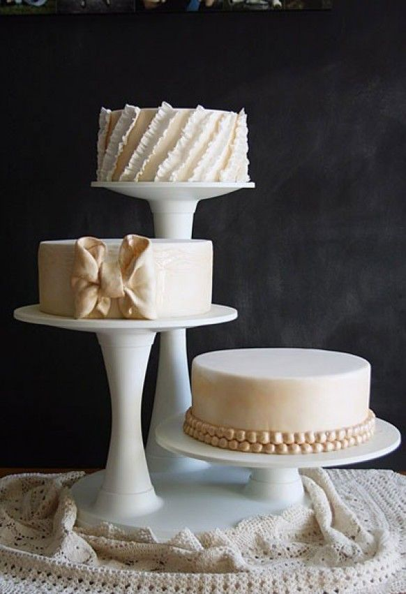 Great Idea To Display Wedding Cakes In Separate Stands And