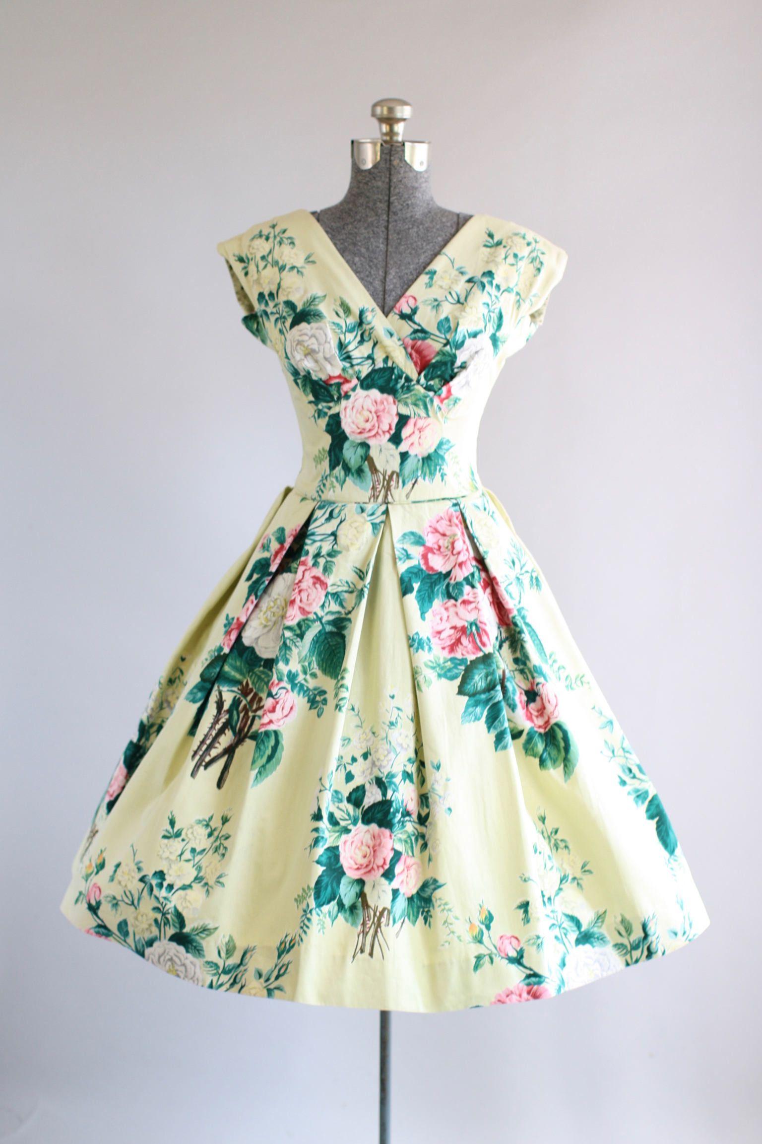 Vintage 1950s Dress / 50s Cotton Dress / Pale Celery Floral Bouquet ...