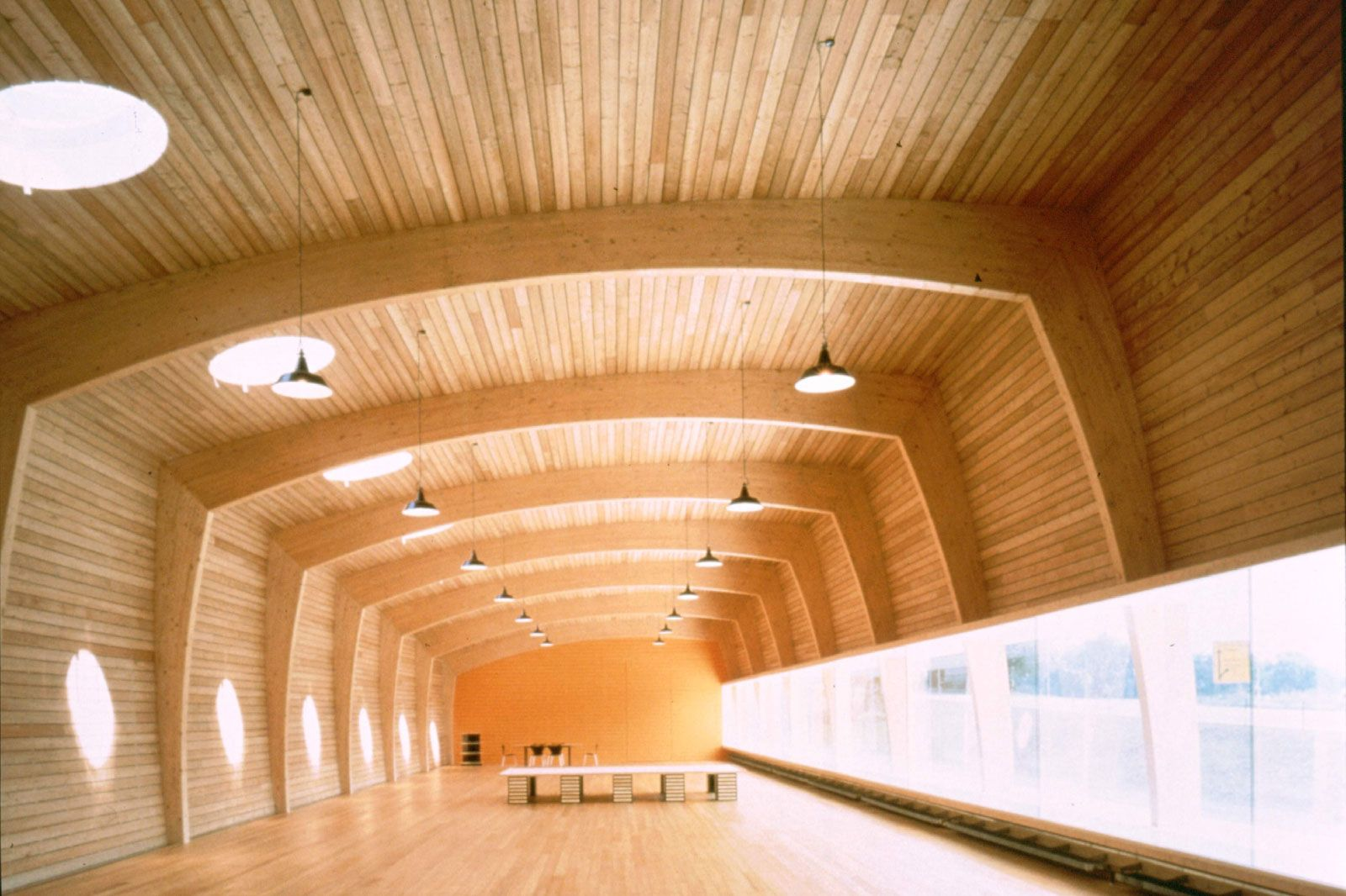 Vigas madera vigas laminadas almacen de maderas - Estructura madera laminada ...