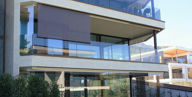 Coberti toldo vertical en terraza de vivienda toldos for Toldos verticales para terrazas