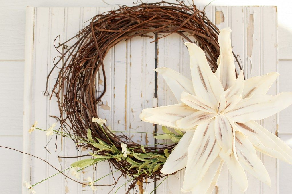 3 steps to create a whimsical wreath for your front door.  #InspirationSpotlight thedempsterlogbook.com