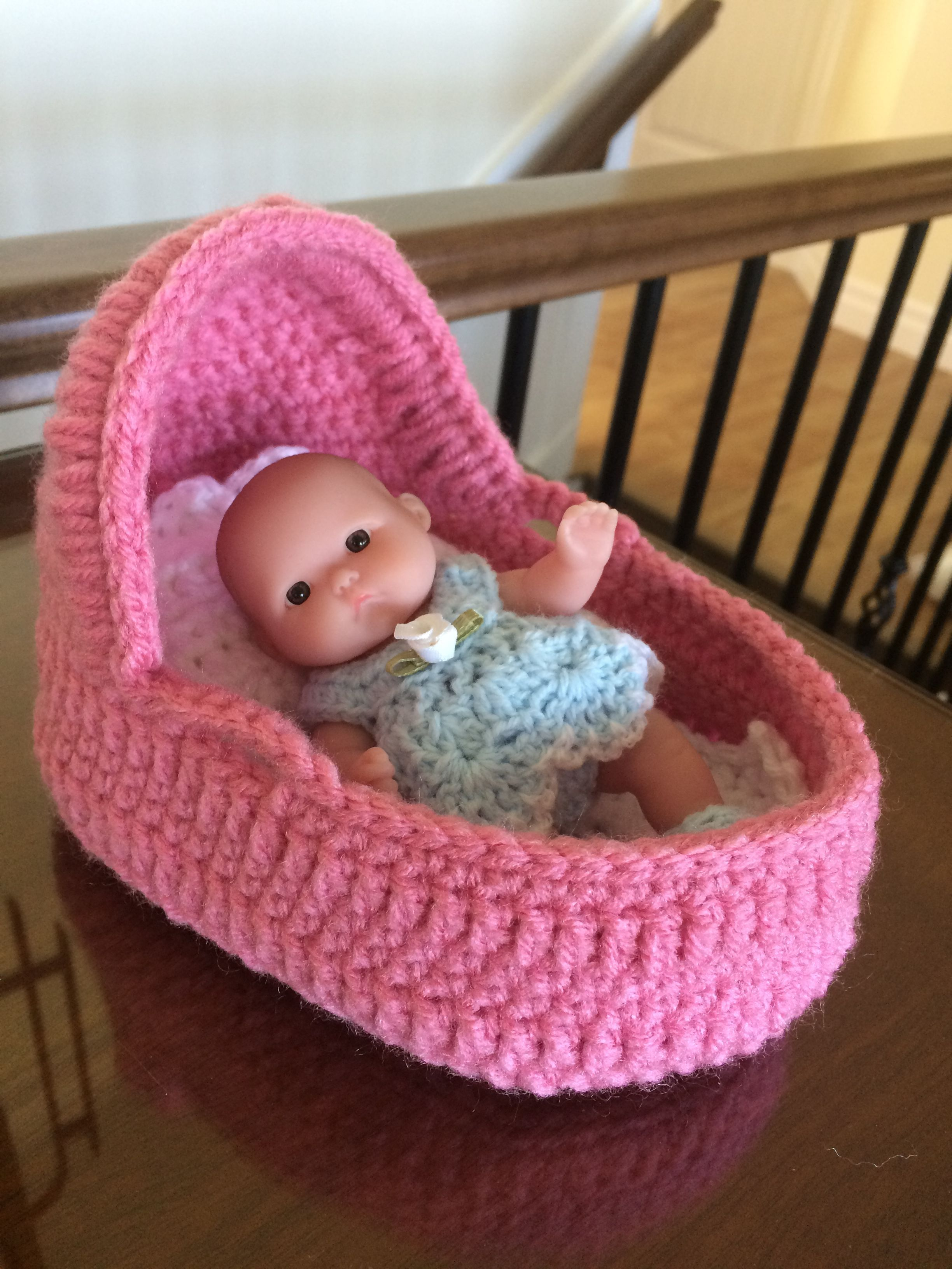 Small Moses basket for 5 inch Berenguer doll. Moses Basket Bedding, Baby  Doll Clothes