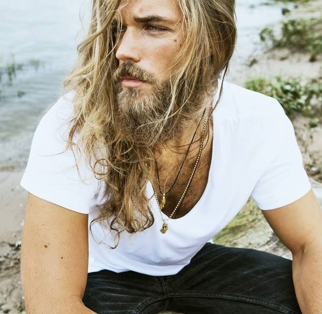 Melena rubia masculina. #Bopeluqueria #bospots #hair #hairstyle #peinados #moda #tendencias #peluqeria #Barcelona #pelolargo #lookmasculino #hombre