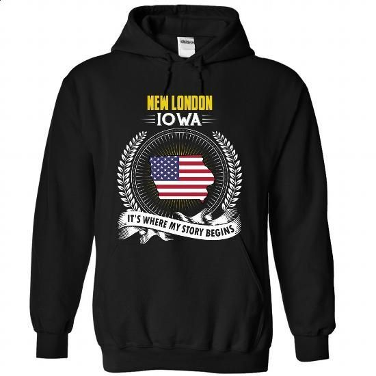 Born in NEW LONDON-IOWA V01 - custom made shirts #sweats #plain black hoodie