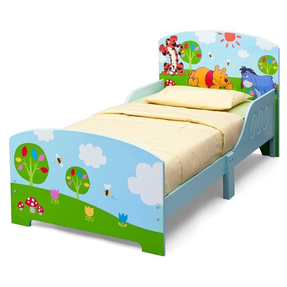 Winnie Pooh Kleinkindbett aus Holz. Extra niedrig und mit ...