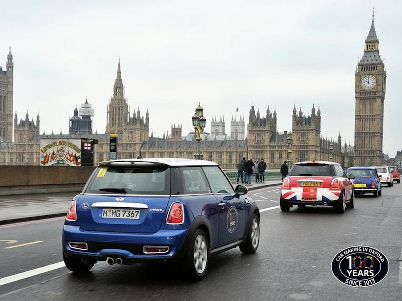 The Mini Convoy Says A Quick Hello To Big Ben Mini Cars Mini Lifestyle Big Ben