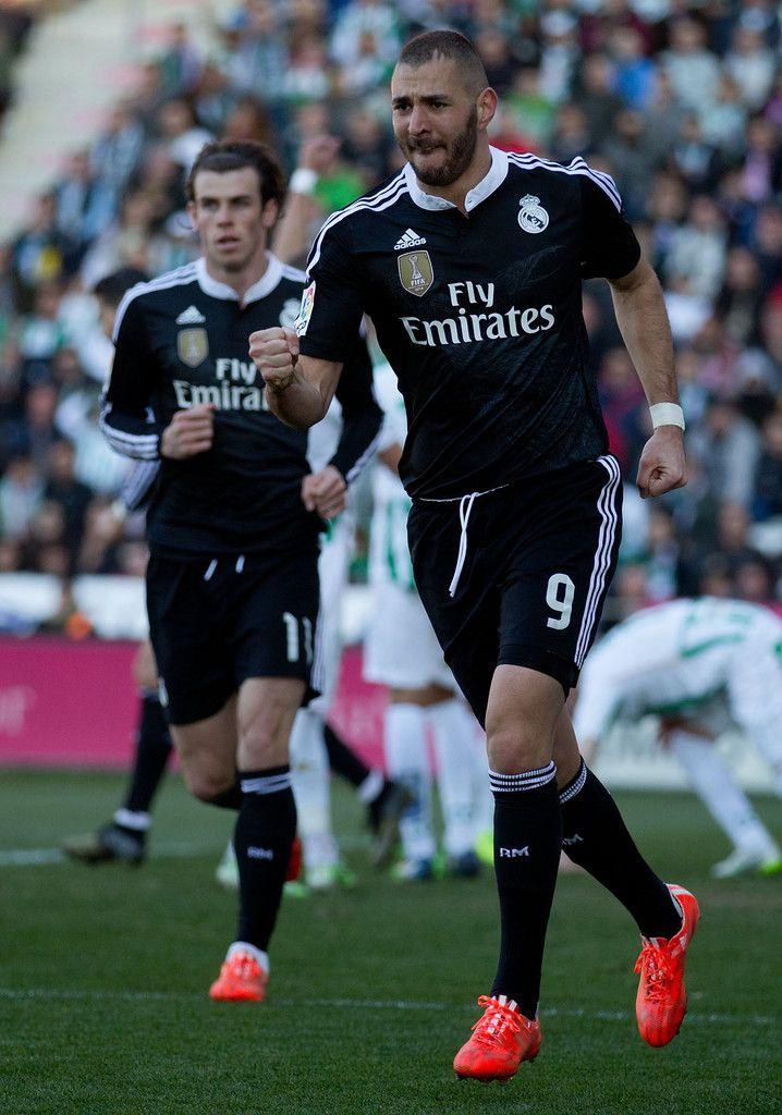 Karim Benzema of Real Madrid CF celebrates scoring their