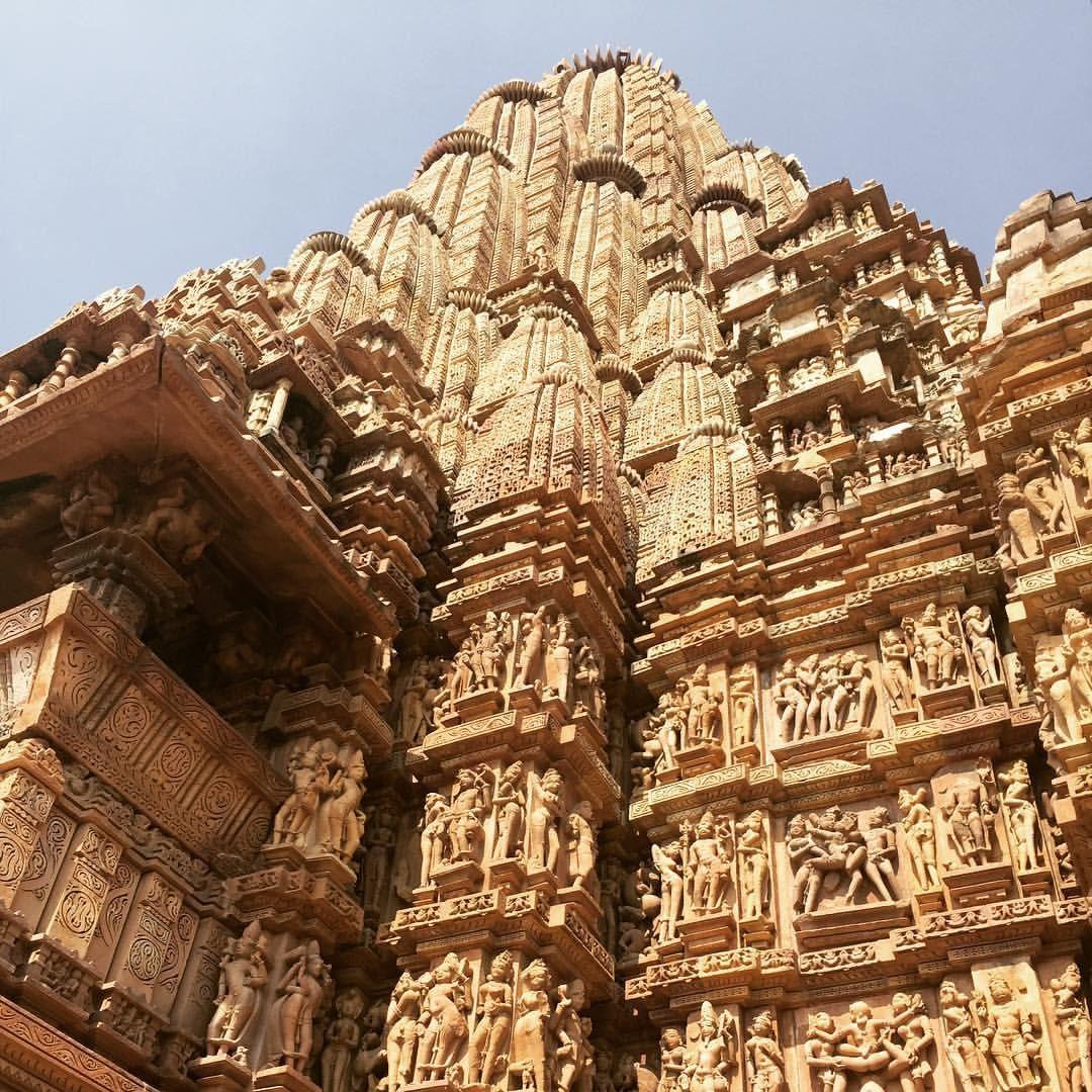 Храм Кандарья-Махадева (Kandariya Mahadeva Temple) \ Индия \ Каджурахо | 1080x1080