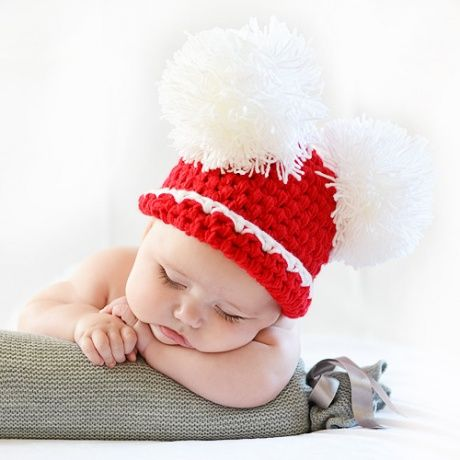 465d2ccf3bb01 Gorro crochet Navidad para bebé. Divertido gorro rojo de croche hecho a  mano con dos