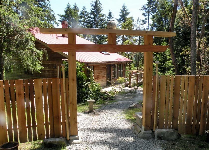 extraordinary japanese wooden garden structures pictures