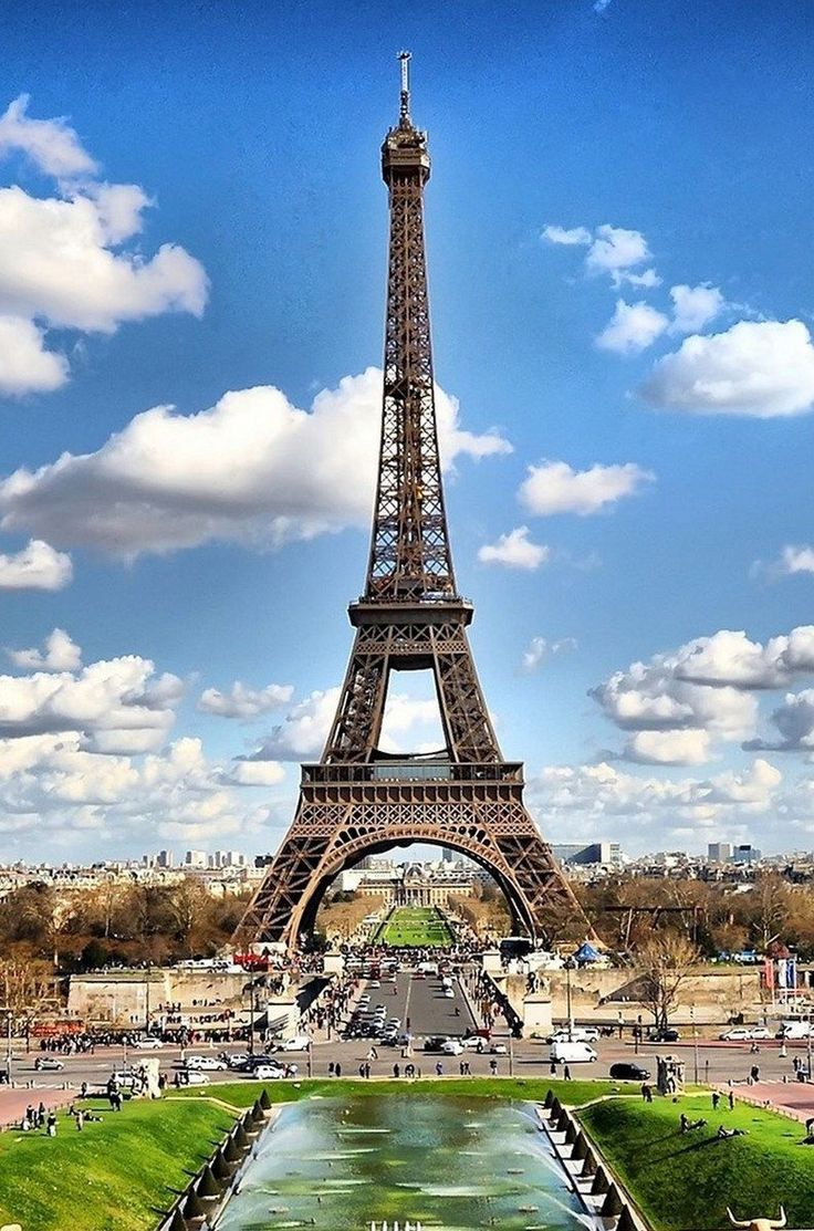 54488caa2af8 Thinking about Paris travel  Having a local guide you through their city is  the best